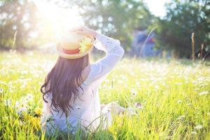 woman, field, sunlight